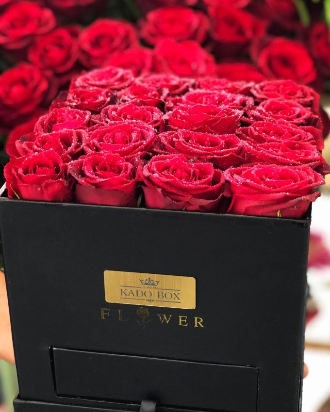 جعبه گل رز 20 شاخه هلندی