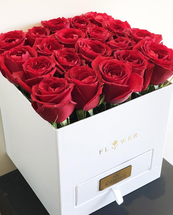 جعبه گل کادو تولد
