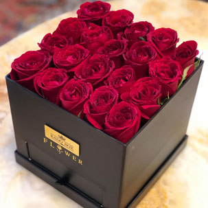 باکس ( جعبه ) گل قرمز کشودار مخصوص هدیه برای سفارش اینترنتی
