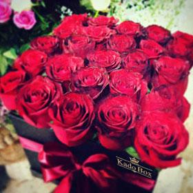 باکس گل رز 25 شاخه قرمز